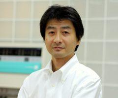 テーピングのプロ。清遠先生。