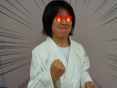最近、念願の黒帯を取得した柔道整復師学科 3年生の松井さん