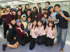 緊張から解き放たれ、クラスメイトと記念写真♡みんな良い顔してます!