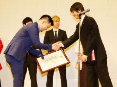 顧問の野村先生と握手!