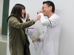 「杉田先生、3年間ありがとうー!」