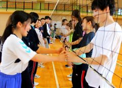 試合前は握手で始まります!