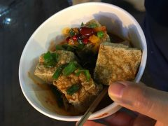 臭豆腐。匂いはまさにアレですが、味は絶品!!!!!