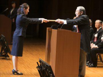 代表は、柔道整復師学科 昼間部1年生の倉本真菜さん