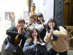 みんなで銅像のマネをしました!