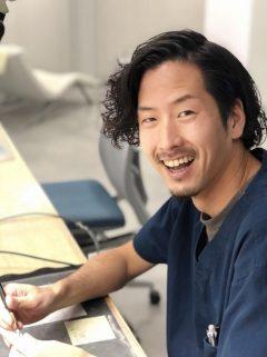 アメリカで歯科技工士として活躍する卒業生!