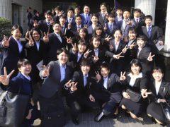 入学式で既に仲良し!!