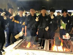 美味い白米を炊き上げる男子陣!