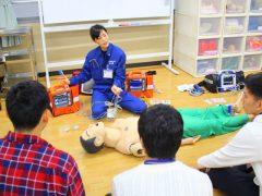 救急救命士学科*救急救命士が実際に扱う器材で様々な体験ができます!