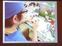 岡田さんの作業風景