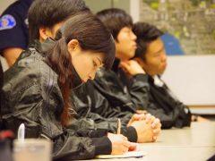 日本に知識や技術を持ち帰るためにメモを取りながら受講しました
