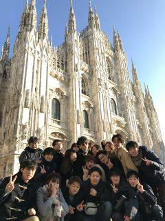 ミラノの建築された大聖堂 ドゥオーモ!