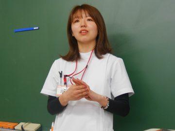 今年で臨床 5年目を迎える川田先生。