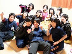 夜間部でも女性の学生もたくさんいます。