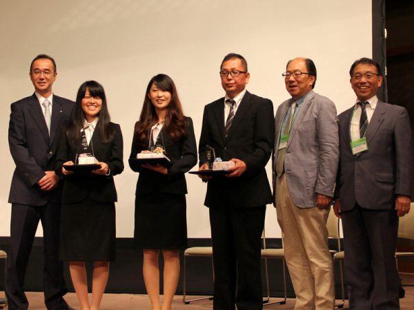 在学中の浦田さん。学生No.1を決めるコンテストで銀賞を受賞!金賞も本校の学生でした!