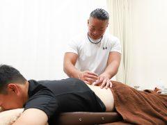 スポーツ選手の筋肉は大きい人が多いので、長めの鍼を使うそうです。
