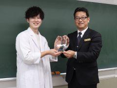 歯科技工所の大手、和田精密歯研さんより表彰されました♪
